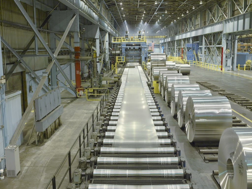 1 Rolling aluminum on the hot mill at Oswego NY