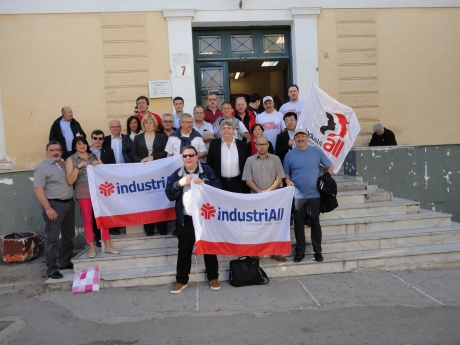 European trade unionist demonstrate at the Athens court house on May 5th